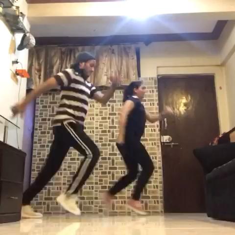 Rohan N Priyanka / House Dance