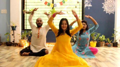 kathak sitting choreography on Barso by Ritviz