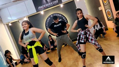 Dance on song Do you Love me   Baghi 3  Pacemakers Troupe