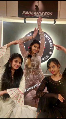 Sitting Dance Choreography.. on Titliaan - Oh Pata Nahi ji