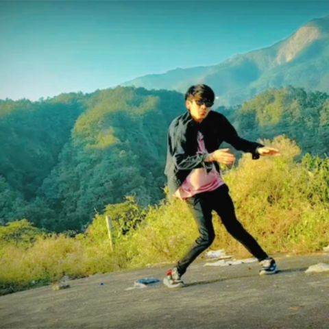 Adhi Adhi  Raat   freestyle  dance cover 🤘