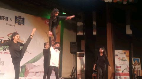 Jai Ho | Yoga & Acrobat Dance Performance | Urooj & XDE Team