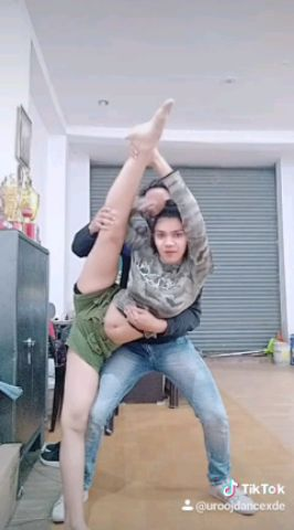 Haaye Garmi   Urooj & Swati