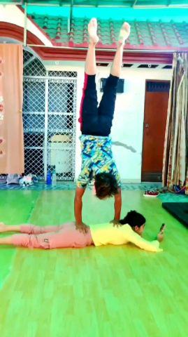 Unique Limber | Urooj & Swati
