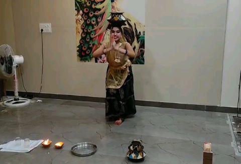 chirmi dance on ghoomar i hope u like it💕😊