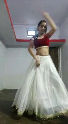 dance vedio on song nimbooda nimbooda