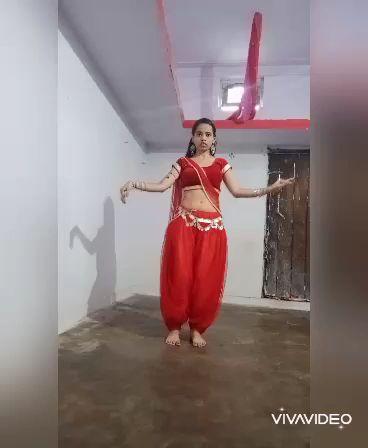 chunri chunri song from biwi no1 movie dance vedio