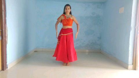 laal bindi dance