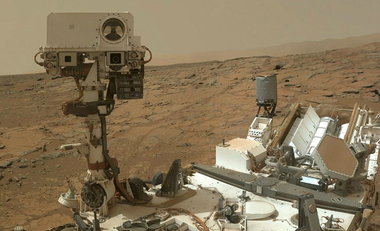 Curiosity loves exploring Mars