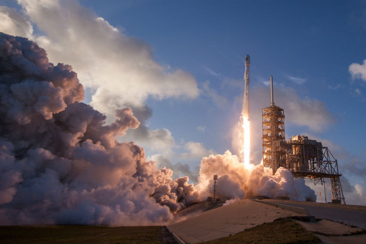 SpaceX Falcon 9 Launch N-ROL 76