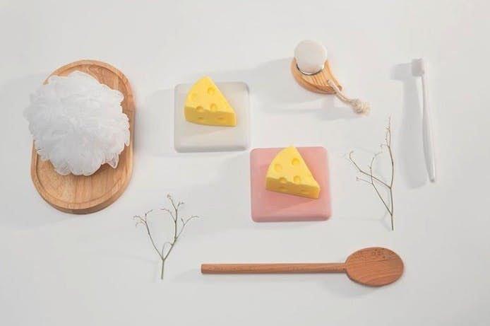 """韩国手信+1!超逼真芝士造型洗面皂好萌,绵密泡泡可以拉出""""芝士丝""""~"""