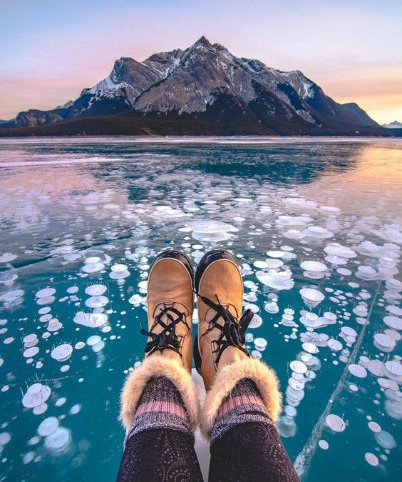 """Elsa的魔幻冰雪世界?加拿大亚伯拉罕湖,超梦幻""""气泡湖""""美景〜"""