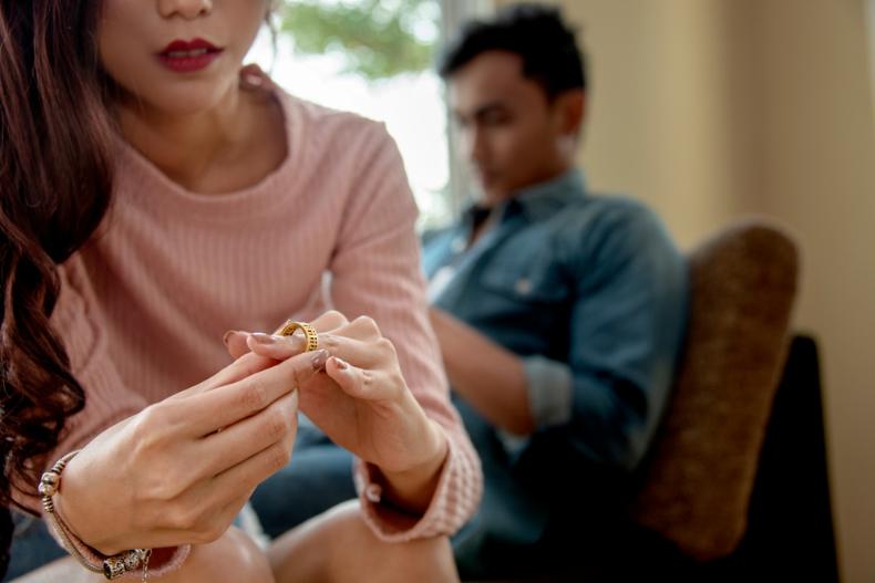 婚姻是爱情的坟墓?盘点10个婚后超现实问题