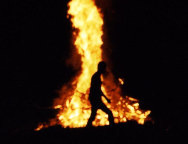 印度女子遭轮暴犯纵火 90%烧伤走一公里求救