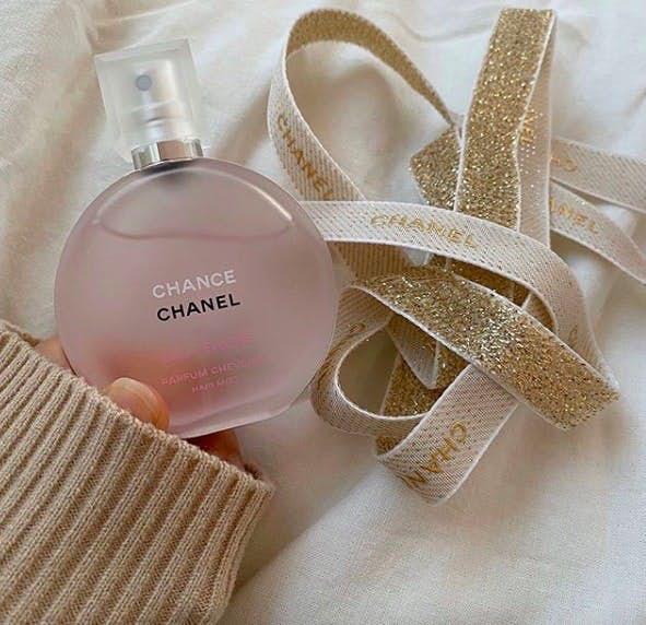 约会加分位!日本妹大爱CHANEL小粉瓶发香,3款女神级发香喷雾推荐!