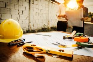 5 Things to Consider Before Hiring a Contractor