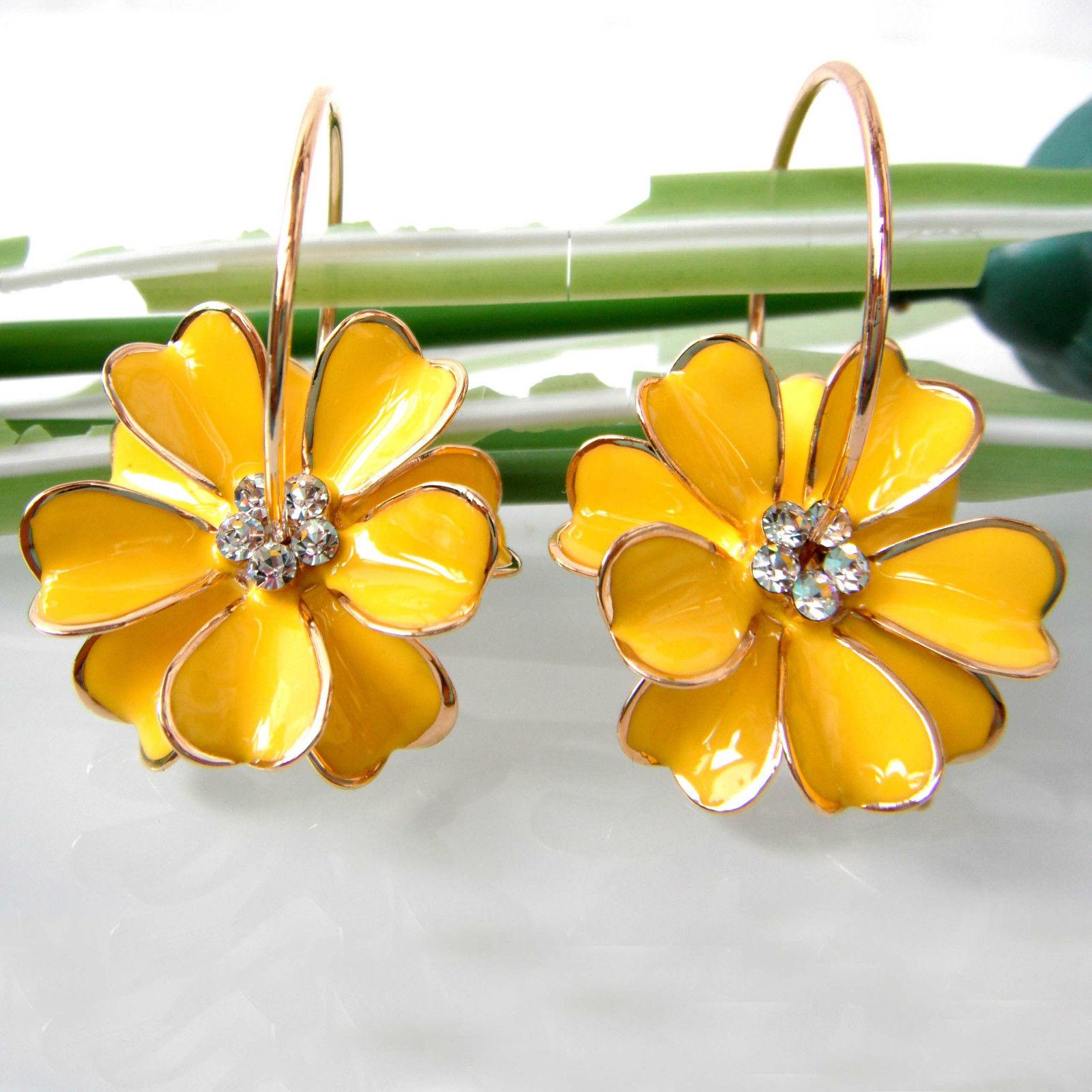 עגילים בצורת פרח