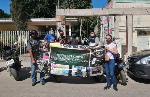 Fotografía del equipo ganador con el proyecto: Bikers solidarios