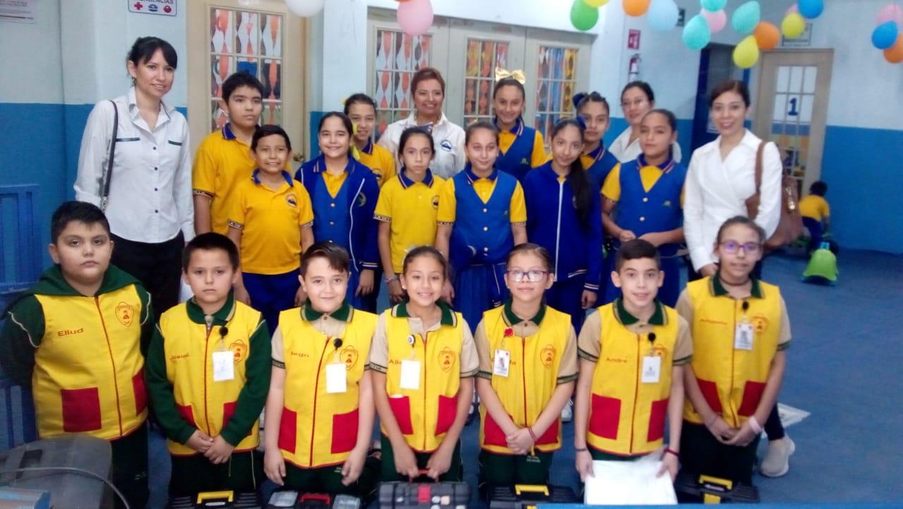 Fotografía del equipo ganador con el proyecto: Paramédicos escolares