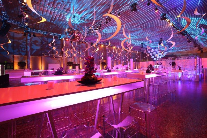 Beleuchtete Tische Verleih Frankfurt Dekoration