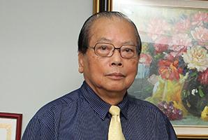 高明見 台大醫學院名譽教授