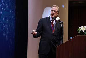 Neil Martin | Chair, Department of Neurosurgery UCLA
