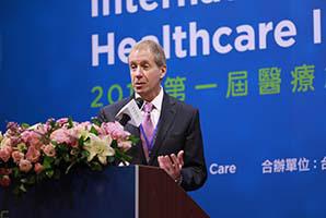 Warren Selman | Chairman, Department of Neurological Surgery, University Hospitals Case Medical Center