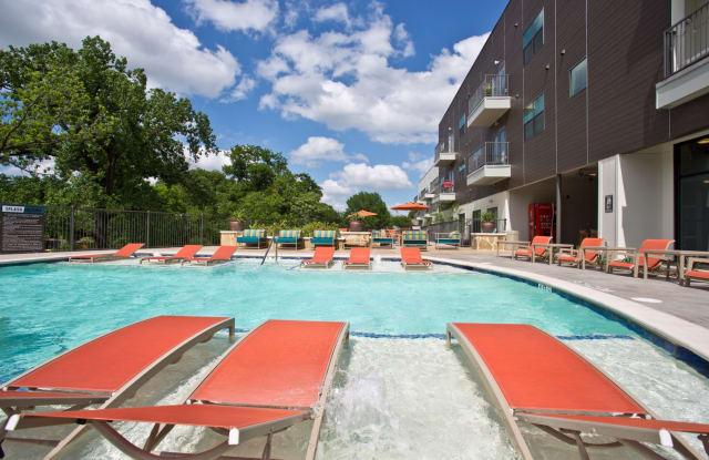 27TwentySeven Apartment Dallas