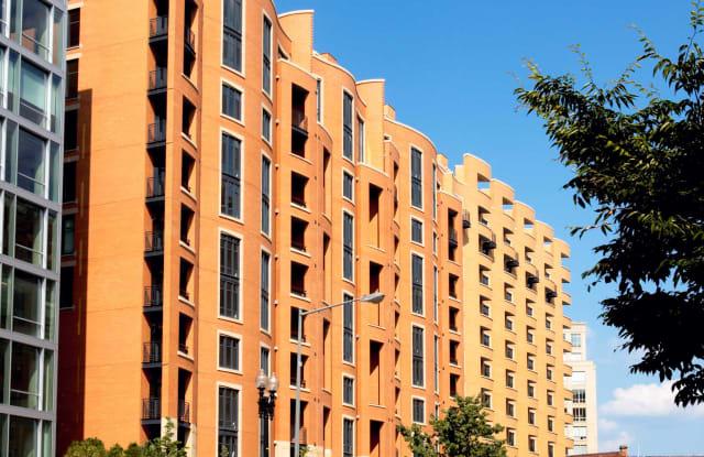 425 Mass Apartment Washington