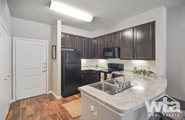 515 E Slaughter Lane Apartment Austin