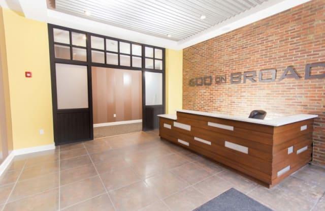 600 on Broad Apartment Philadelphia