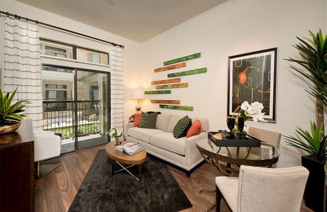 7 Seventy Apartment Houston