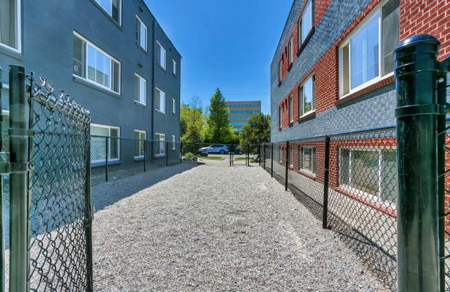 880 & 890 Dexter Apartment Denver