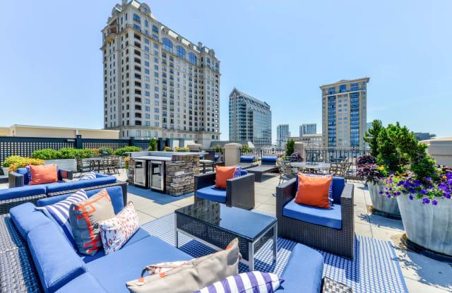 92 West Paces Apartment Atlanta