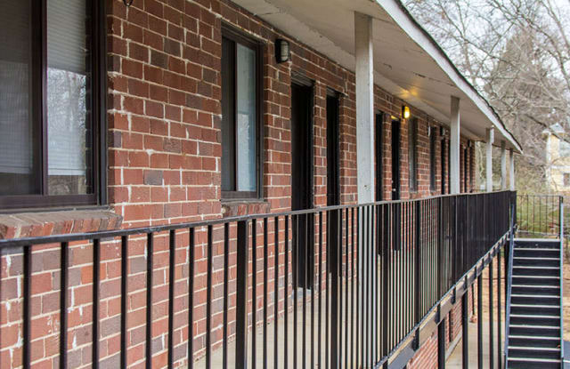 Amberwood Village Apartment Atlanta