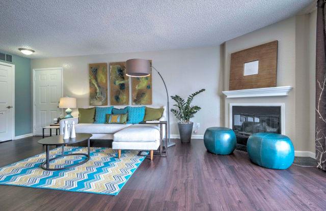 Arapahoe Club Apartment Denver