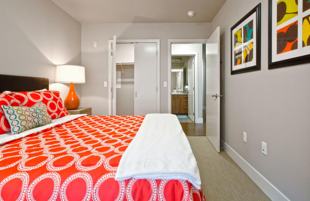Astro Apartment Seattle