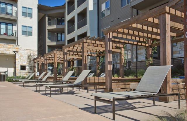 Axis at the Rim Apartment San Antonio