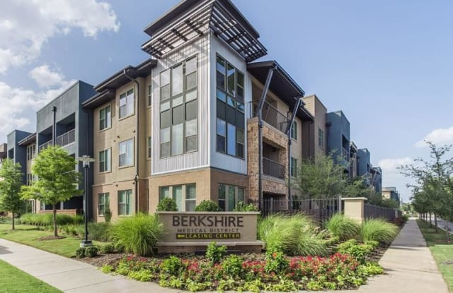 Berkshire Medical District Apartment Dallas