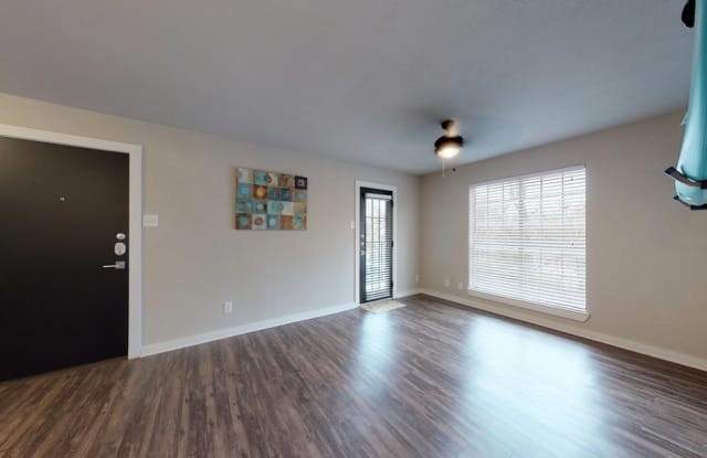 Bluffs at Lakewood Apartment Dallas