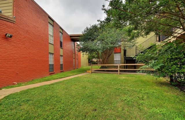 Burl Apartments Apartment Austin