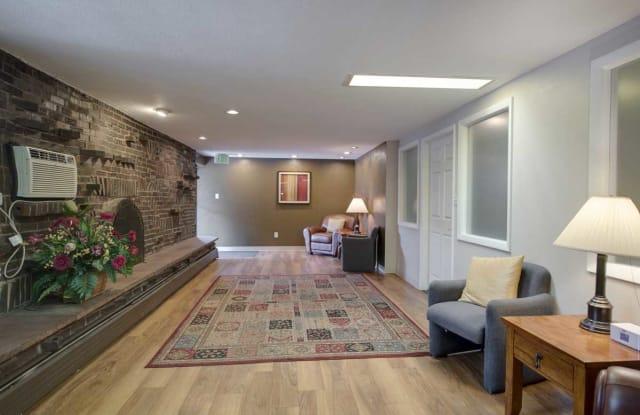 Cambridge Place Apartment Denver