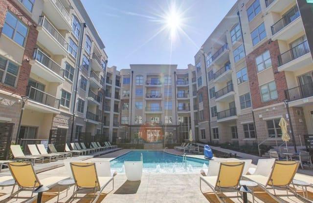 Centric Gateway Apartment Charlotte