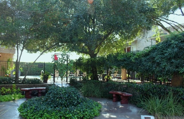 Century Park Apartment Houston