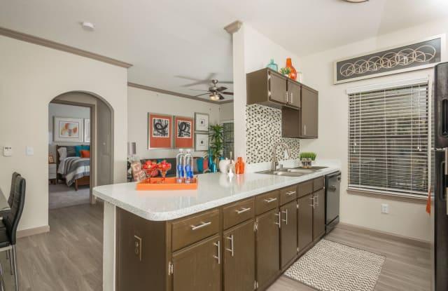 Chimney Hill Apartment Dallas