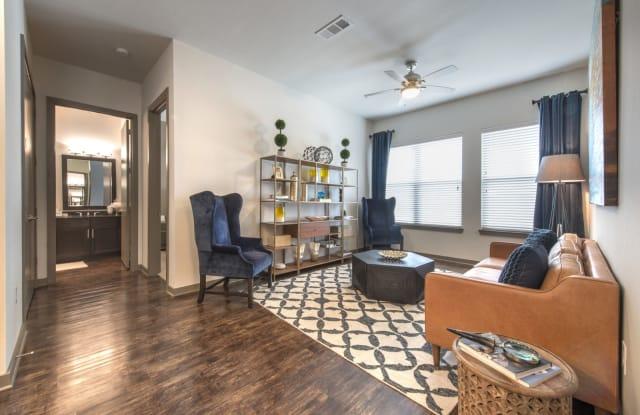 Crest at Park Central Apartment Dallas