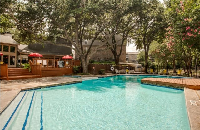 Cross Creek Apartment Dallas