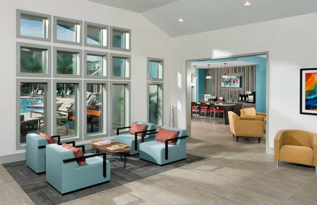 Crosstown Walk Apartment Tampa