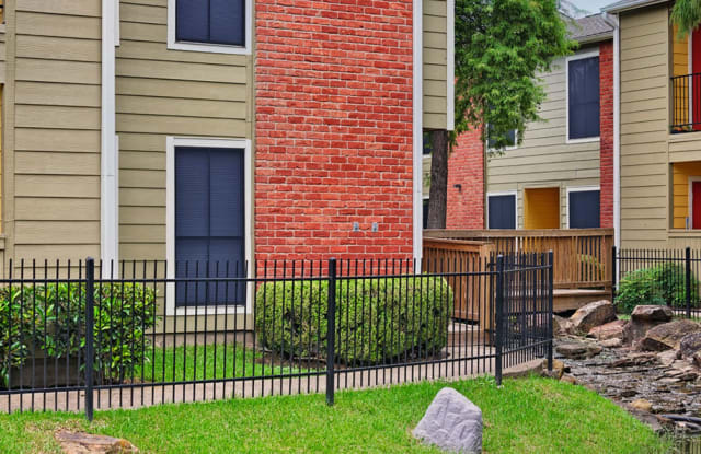 Del Lago Apartment Houston