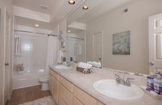 Easton Village Apartment Houston